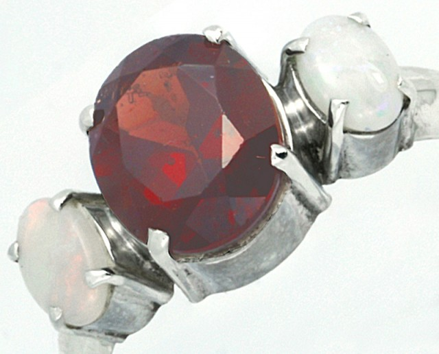 9 SIZE FIREY GARNET RING WITH SOLID OPAL [SJ4012 ]