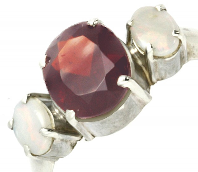 9 SIZE FIREY GARNET RING WITH SOLID OPAL [SJ4014 ]