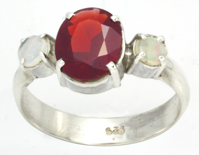 9 SIZE FIREY GARNET RING WITH SOLID OPAL [SJ4016 ]