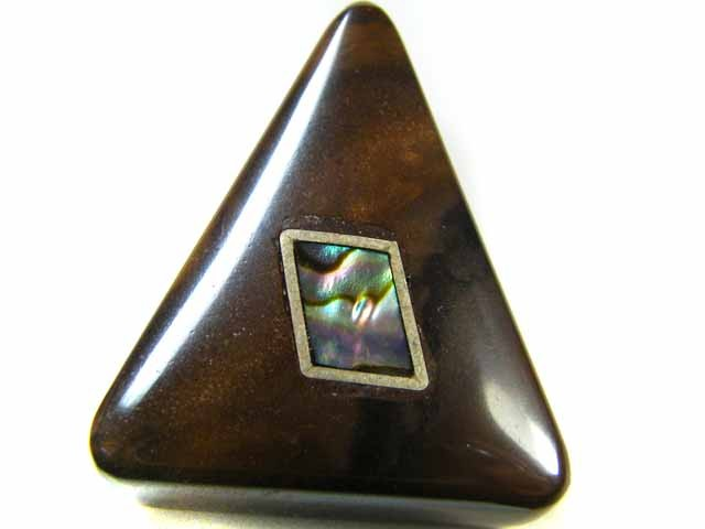 MOTHER PEARL INLAID IRONSTONE BEAD 34.4 CTS AG1947