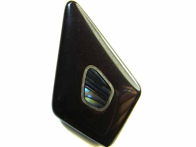 MOTHER PEARL INLAID  IRONSTONE BEAD 30.9CTS AG1967