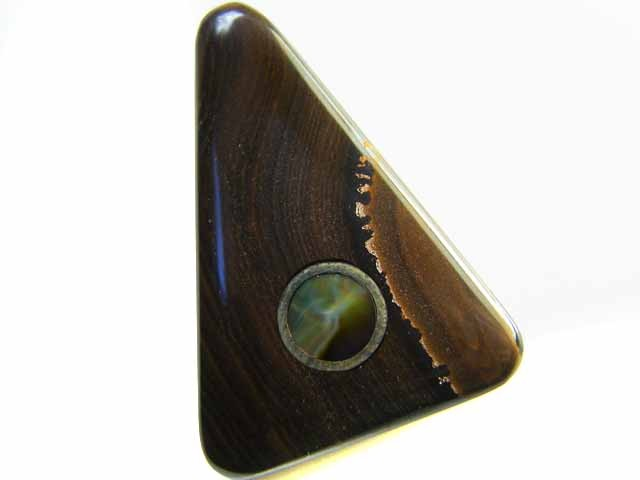MOTHER PEARL INLAID  IRONSTONE BEAD 26.2CTS AG1969