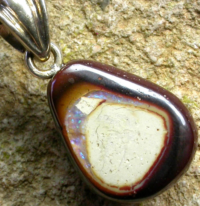 BOULDER OPAL  WITH SILVER BAIL AND STRAP 14.40 CTS [SJ154]