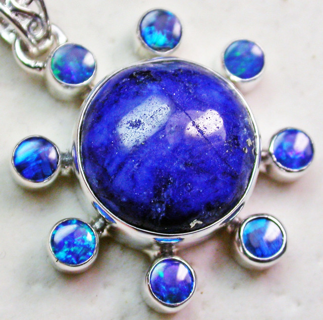 30.50 CTS LAPIS WITH OPAL  DOUBLET SILVER PENDANT [SJ2337]