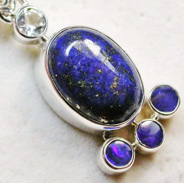 24 CTS LAPIS WITH TOPAZ OPAL DOUBLET SILVER PENDANT [SJ2361]