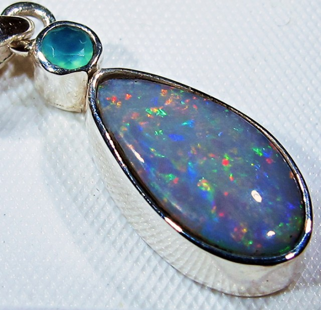 OPAL FOSSIL SILVER PENDANT -FACTROY DIRECT [SJ3090]