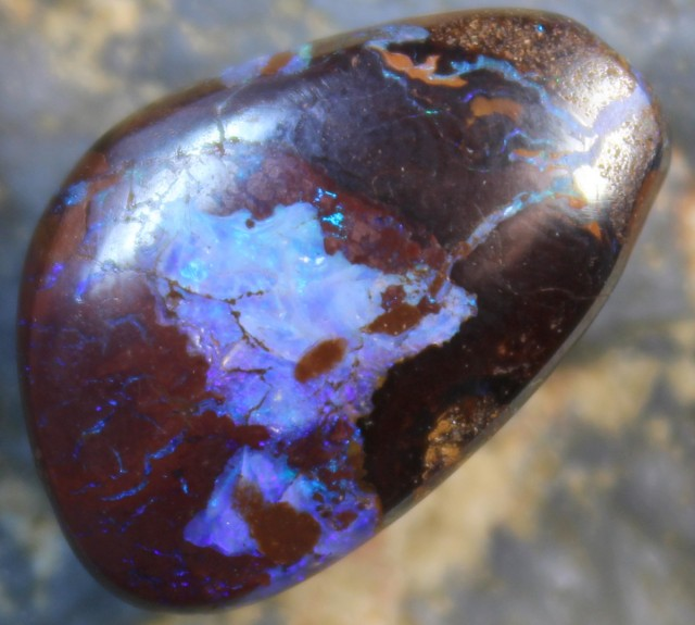 15.95 CTS YOWAH OPAL POLISHED STONE FROM THE OPAL FIELDS D420