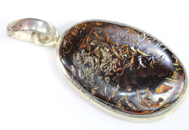 BOULDER OPAL PENDANT WITH SILVER BALE 71 CTS OF-1537