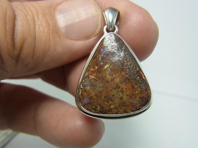 28 ct solid boulder opal