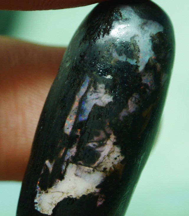 13.50 CRT INDONESIAN OPAL STONE POLISHED