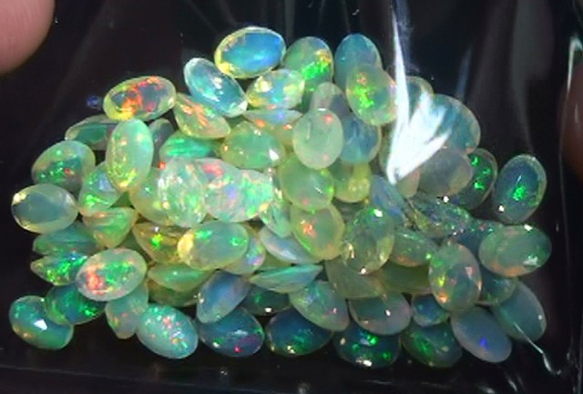25.85 ct 90 Piece Gem Welo Facet Parcel Lot