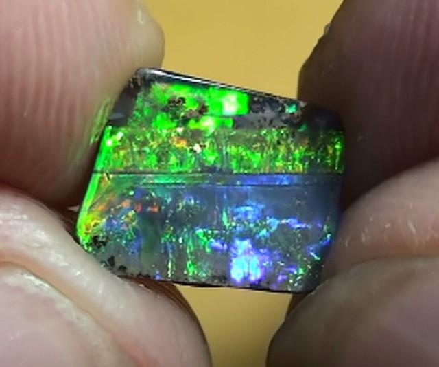 1.90 ct Top Quality Gem Rainbow Natural Queensland Boulder Opal