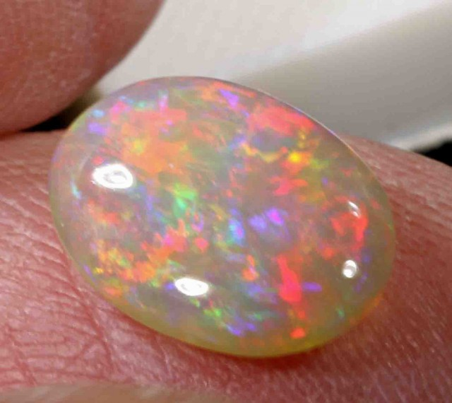 2.85 CTS  CRYSTAL OPAL FROM LR -