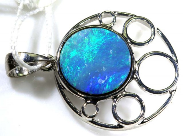 DOBLET OPAL PENDANT WITH SILVER BALE  11.40 CTS OF-1546