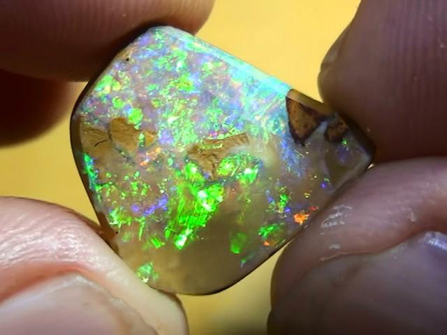 10.65 ct Boulder Opal With Gem Blue Green Color
