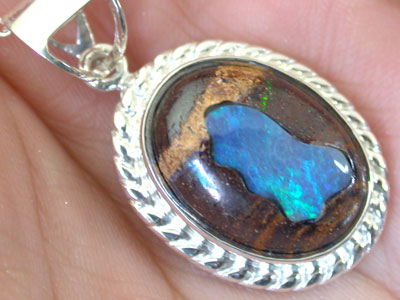 OPAL ART INLAY PENDANT  SILVER SCO 1862