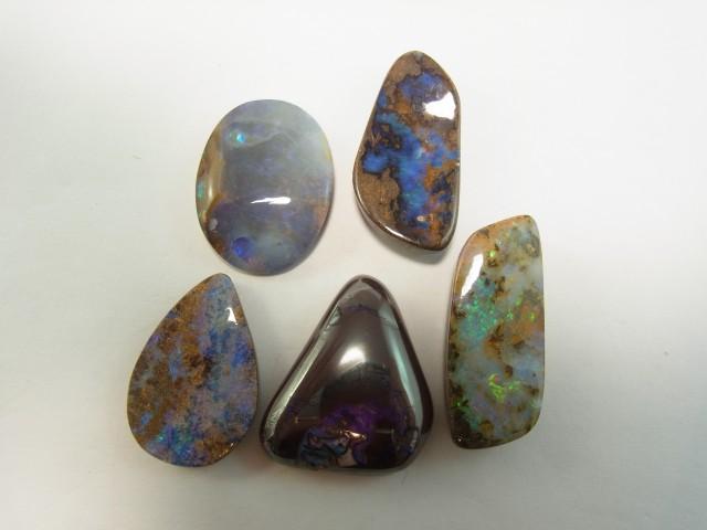 5 Solid boulder opals