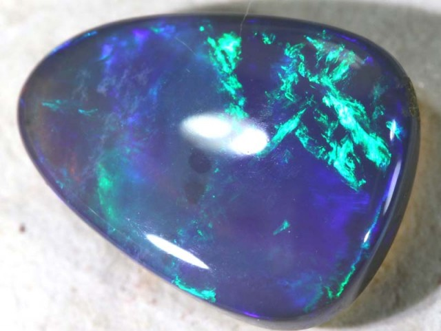 3.10  CTS CRYSTAL OPAL STONE  TBO-4522 R