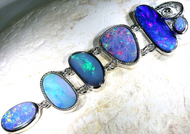78 CTS SILVER DOUBLET OPAL PENDANT OF-1635