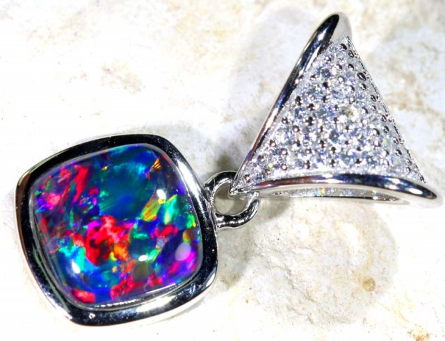 9.20 CTS SILVER TRIPLET OPAL PENDANT OF-1675