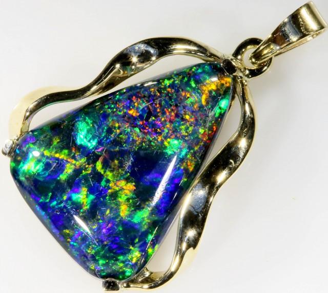 Stylish Triplet Opal Pendant set in 9 k Gold  SB 355