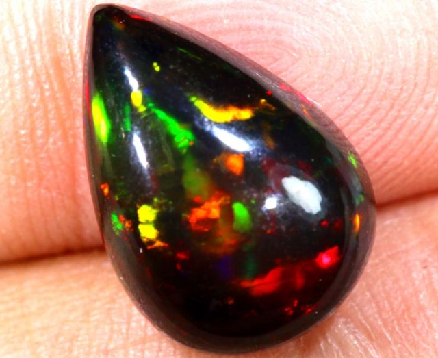 3.65 CTS COLORFUL ETHIOPIAN SMOKED CAB STONE  FOB-815