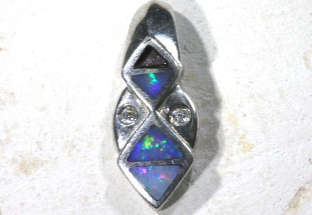 5.69 CTS   DOUBLET OPAL SILVER PENDENT OF-1761