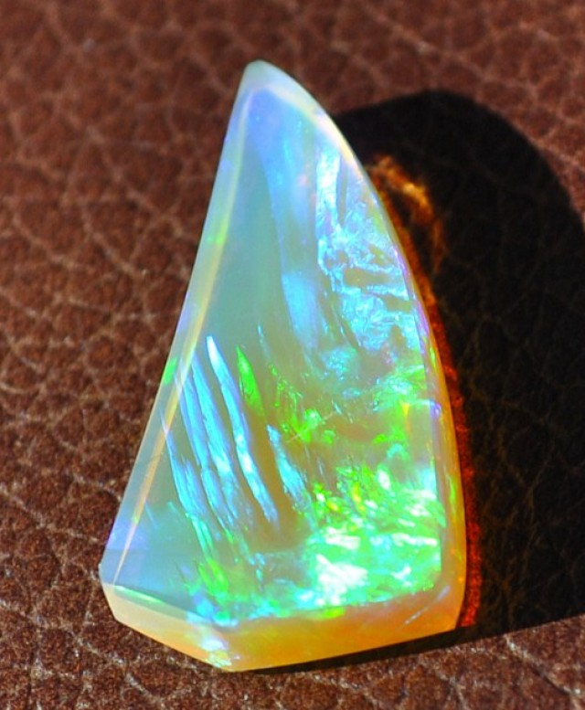 4.60ct ETHIOPIAN WELLO GEM ULTRA BRIGHT GOLDS AND GREENS & PATTERN