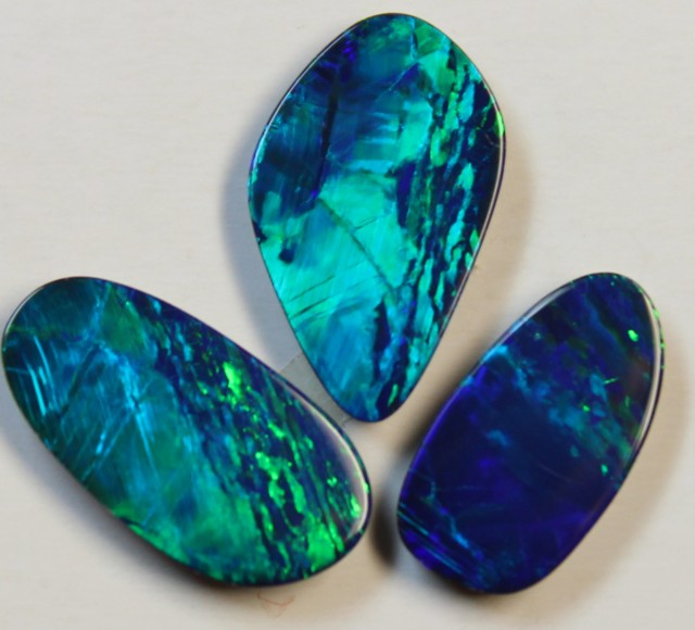 7.12 CTS  -  3 PIECES OPAL DOUBLE PARCEL EXTREMELY BRIGHT D804