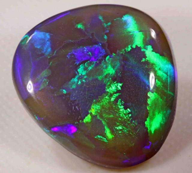 13.60 CTS  BLACK OPAL FROM LR - TOP STONE - BARGAIN