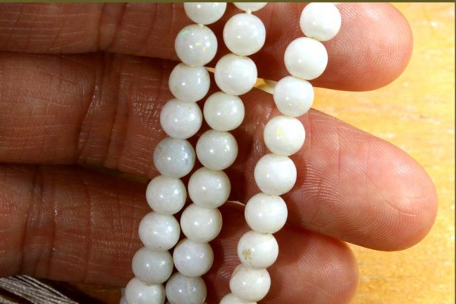 65 CTS COOBER PEDY WHITE OPAL BEADS STRANDS TBO-5451
