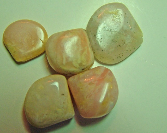 28 CTS PERUVIAN OPAL BEADS (PARCEL) LO-4172
