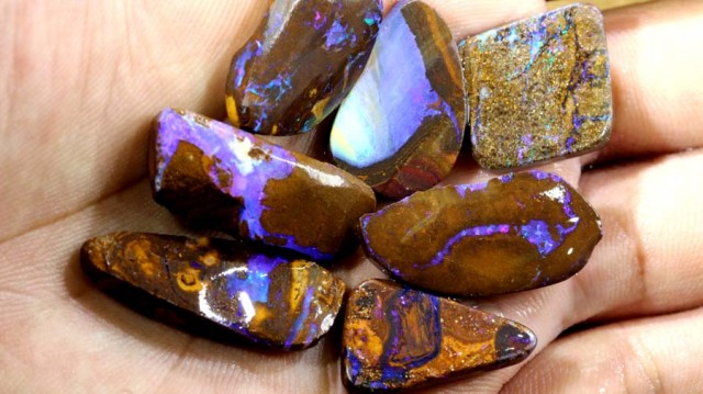 90 CTS BOULDER OPAL ROUGH DT-7246