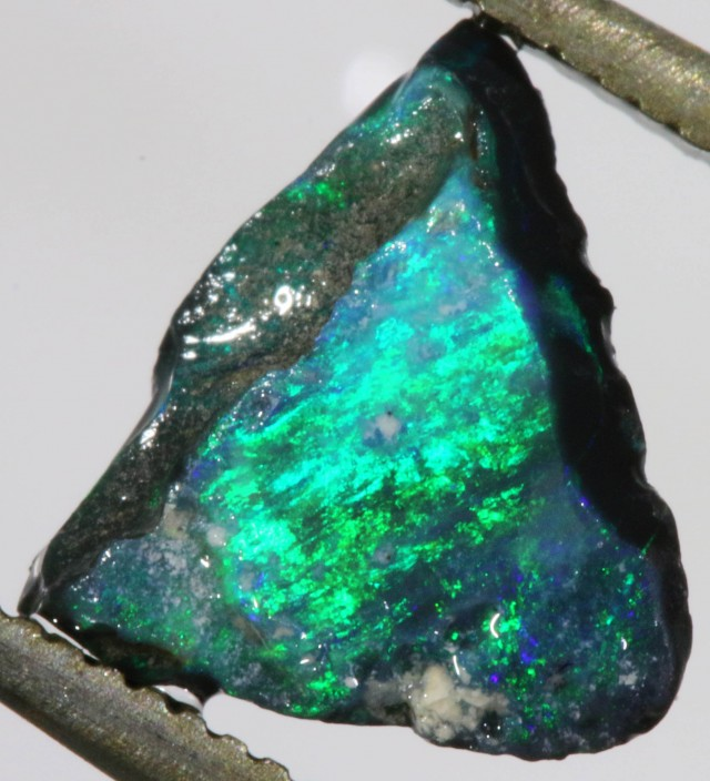 1.05 CTS NEON BRIGHT BLACK OPAL RUB [BR5047]