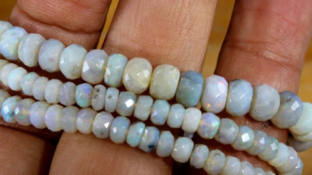 60.65 CTS CRYSTAL OPAL BEADS STRAND TBO-5781