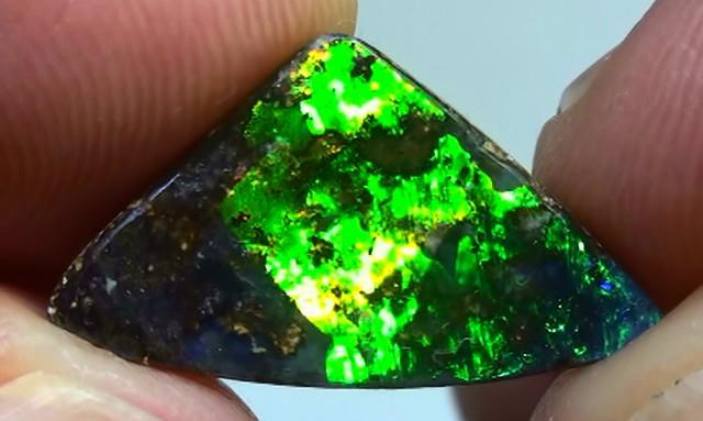 4.70 ct Stunning Natural Dark Base Queensland Boulder Opal