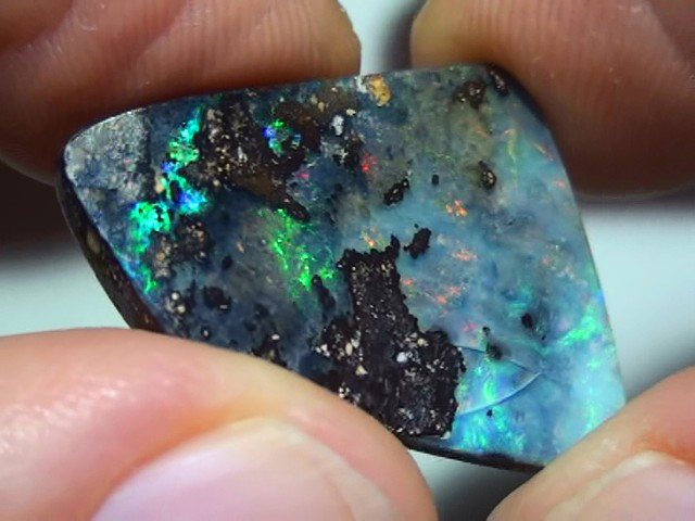 14.40 ct Rainbow Color Solid Boulder Opal