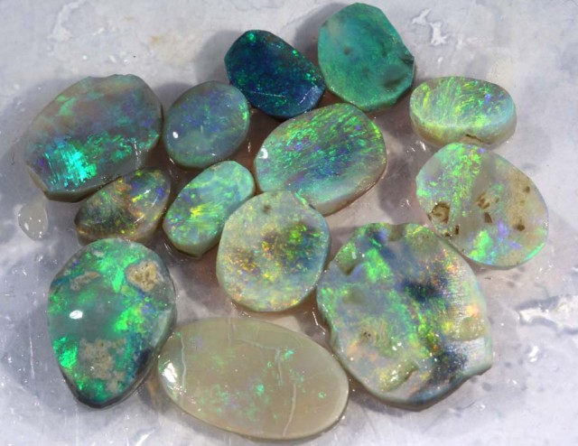 2.85 CTS BLACK OPAL ROUGH  DT-7348