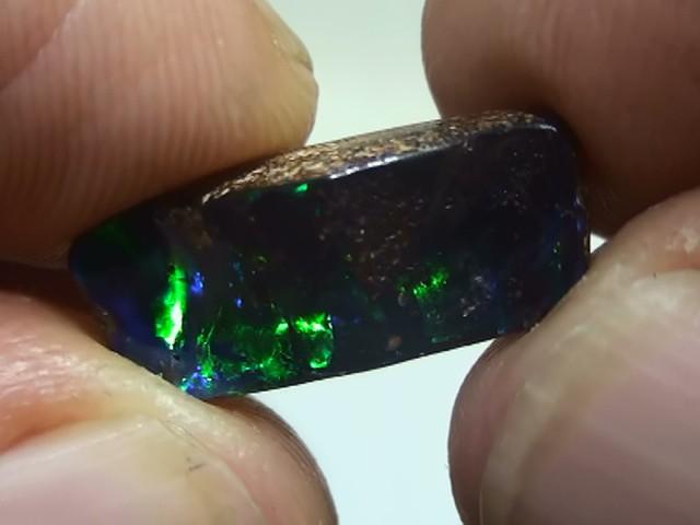 4.35 ct Natural Gem Blue Green Color Queensland Boulder Opal