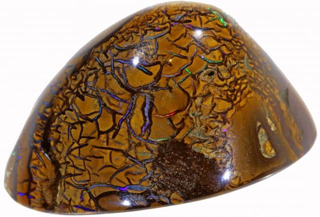 111.3 cts Beautiful veined boulder specimen [RBO-026]