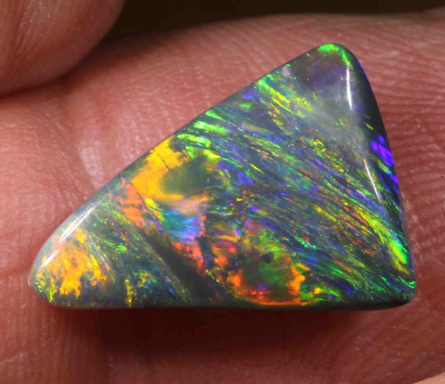 4.93 CTS BRILLIANT BRIGHT BLACK OPAL FROM LR