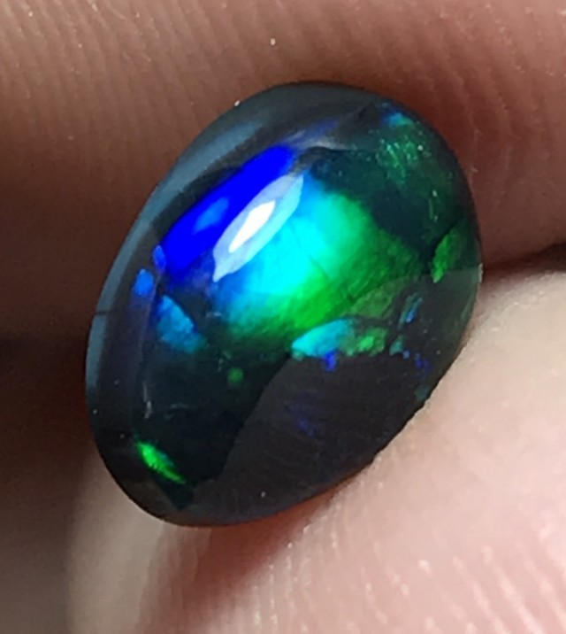 1.52ct Lightning Ridge Gem Black Opal LR132