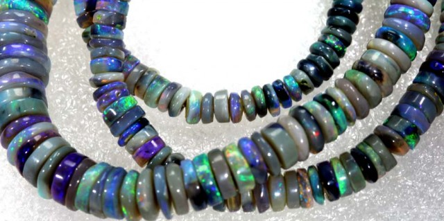 90.3 CTS BLACK OPAL BEADS STRAND TBO-6137