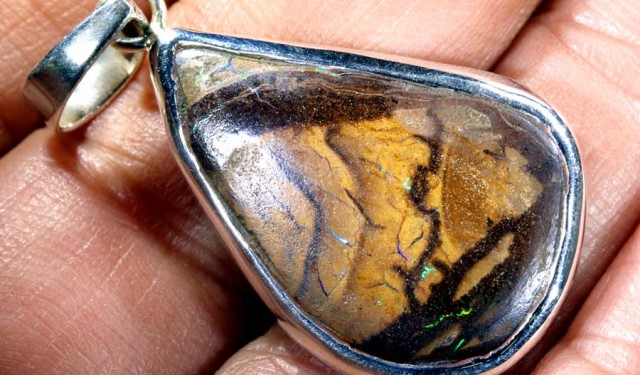 30CTS BOULDER OPAL STERLING SILVER PENDANT OF-1860