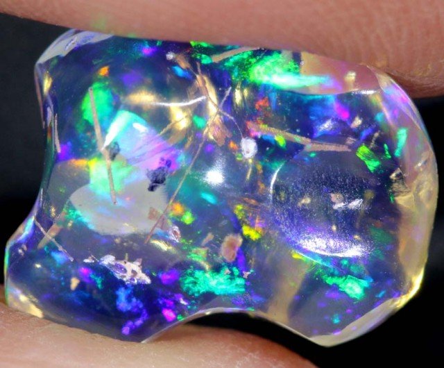 3.8 CTS OPAL MEXICAN CARVED FREEFORM TRANSLUCENT FOB-1017