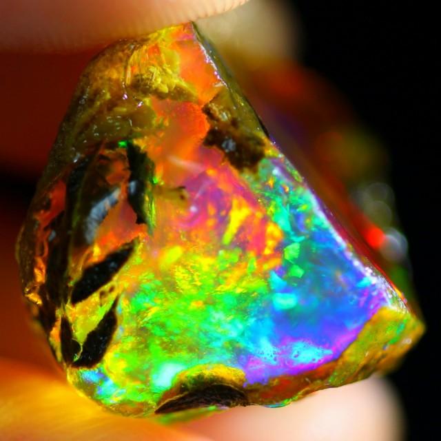 23Ct Rainbow ContraLuz Ethiopian Welo Rough Specimen Rough Opal
