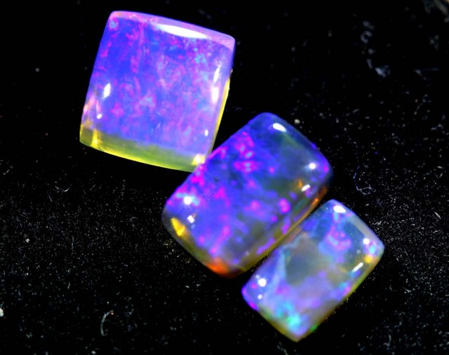 1.85CTS CRYSTAL OPAL PARCEL POLISHED 3PC TBO-6654