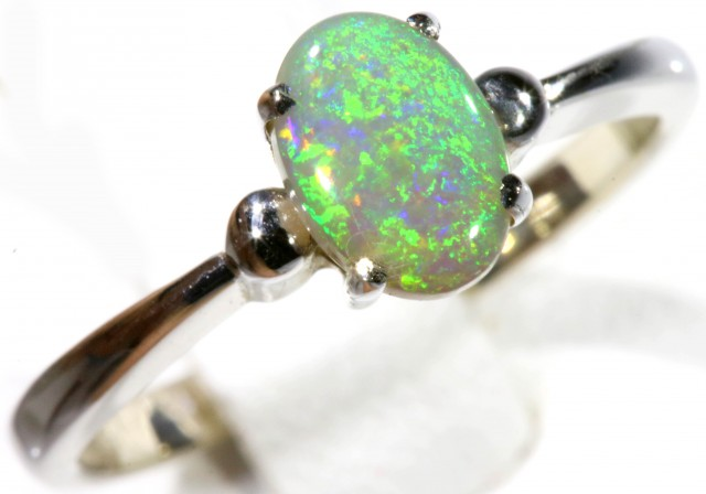 SIZE 5 CRYSTAL OPAL SET IN 18K WHITE GOLD RING CJ929