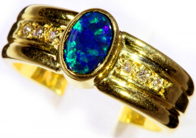 BLACK OPAL18 K GOLD RING SIZE6.5  CF156