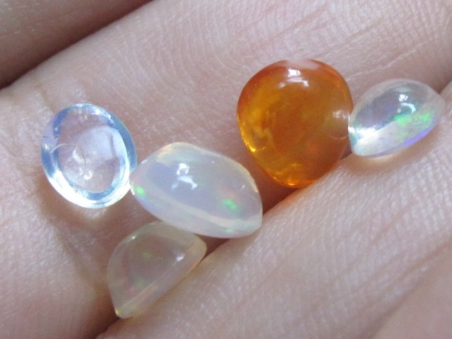 3.30 ct Mexican Fire Opal Parcel of 5 Gemstones in a Vial